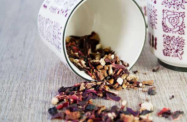 Tee - zum Beispiel Früchtetee - ist lecker und gesund